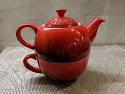 LE CREUSET CERISE RED TEA FOR ONE- TEAPOT AND CUP-10oz-NEW I