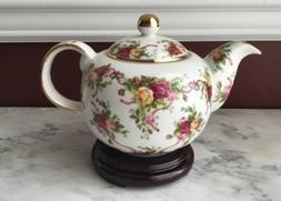 Large Royal Albert Porcelain teapot, Old Country Roses